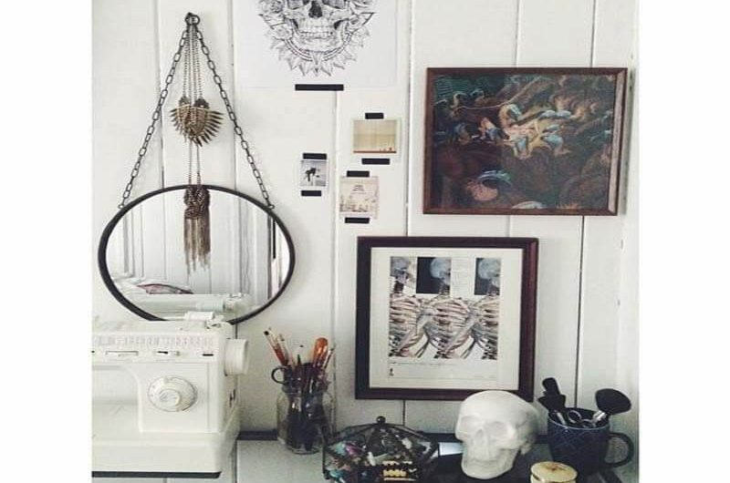chain-hung-industrial-metal-gold-wall-mirror