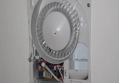 fitting-extractor-fan-your-home